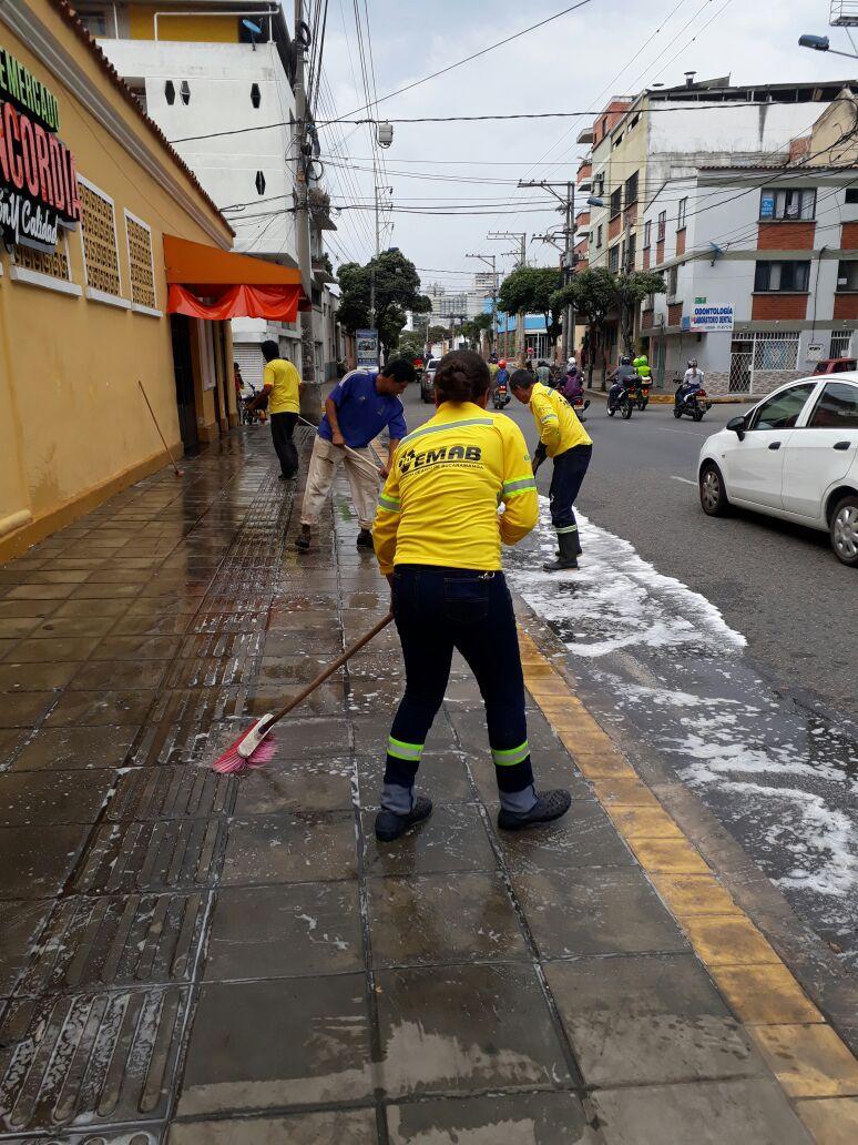 Limpieza de Plazas de Mercado